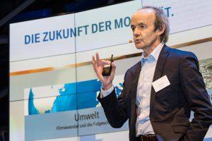 """Diskussionsreihe """"Verantwortung Zukunft"""", BMW Welt München, 4.12.2013"""